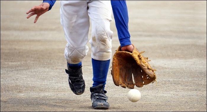 プロ野球選手並みのプレーなんて出来ませんよね?